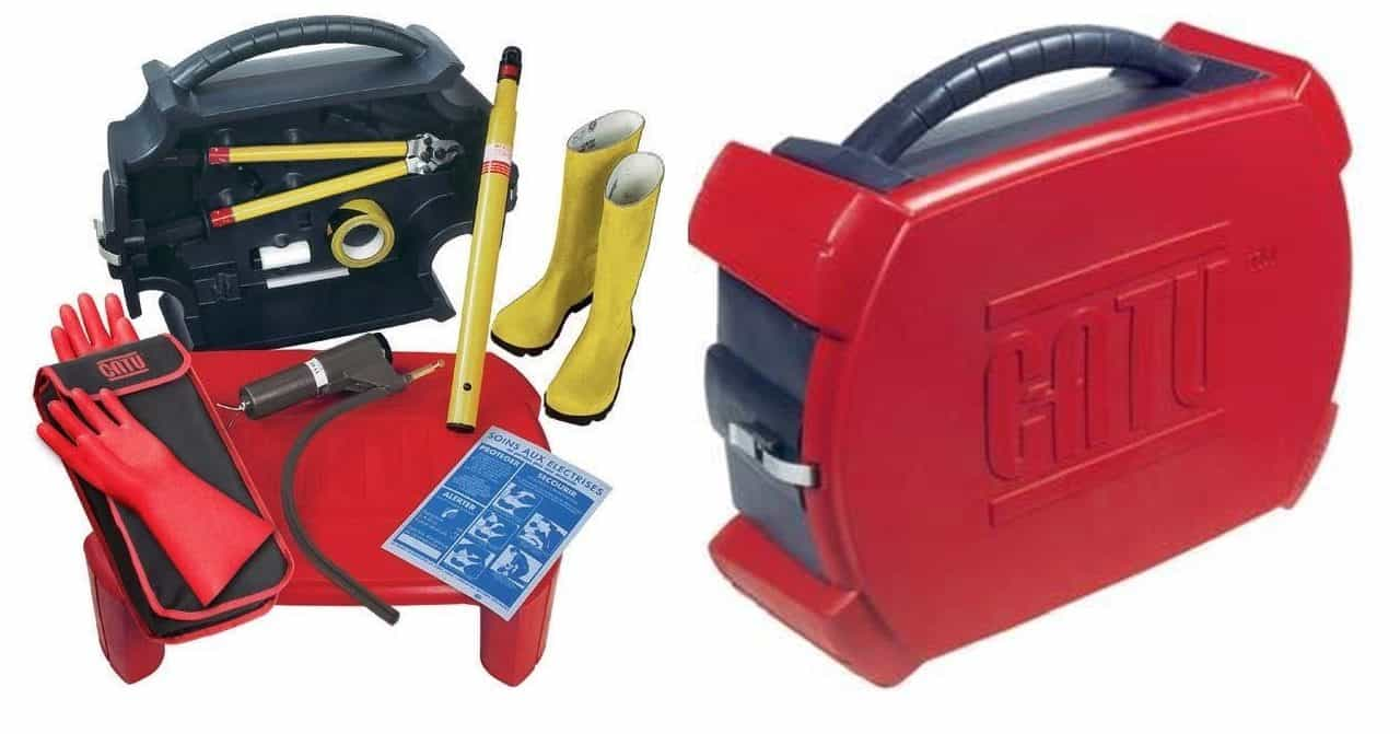 CATU CZ-53 life saving kits are portable and ideal for carrying within a vehicle. The Life Saving Kit provides transportable, life saving electrical intervention with the case of the kit forming the insulating platform