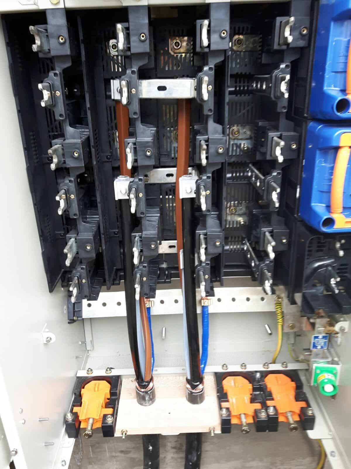 Waveform Cable Termination - 3 Core 300sqmm Cable Onto A 2 Ganged Metered Way In Lucy LV Cabinet