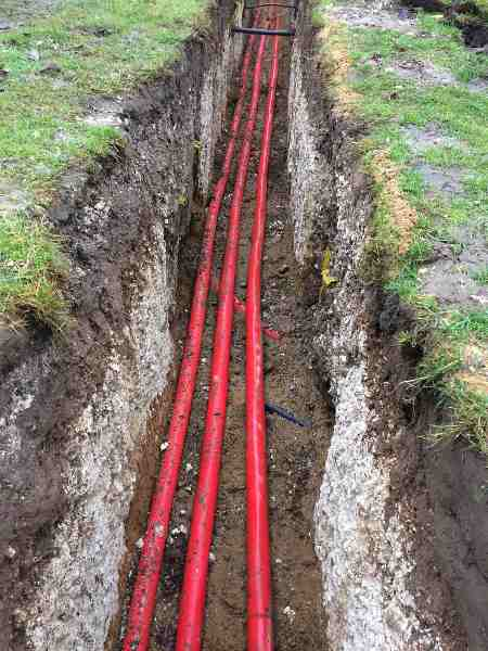Cable Pulling 11kV 3 Core XLPE SWA Cables Into Trench